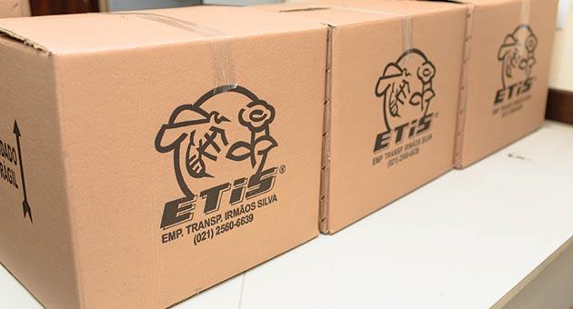 três caixas da ETIS emparelhadas