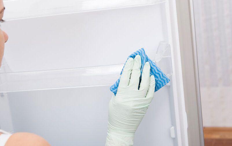 Quais são os cuidados com a geladeira na mudança?