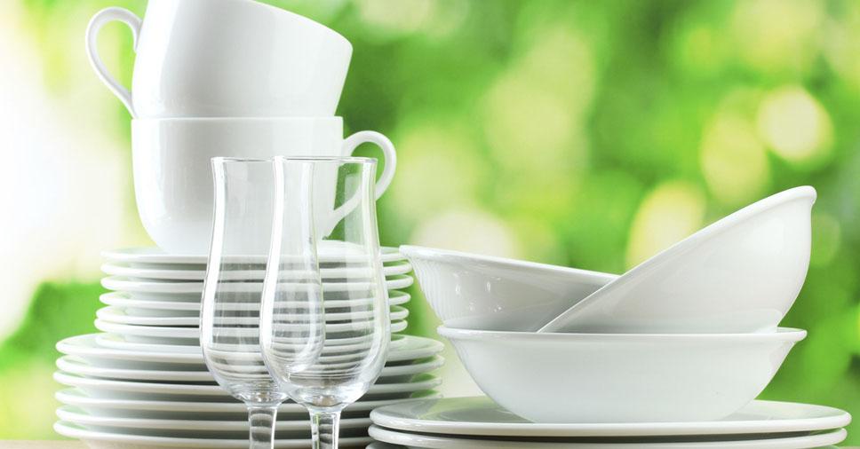 Como embalar copos, pratos e louças para mudança?