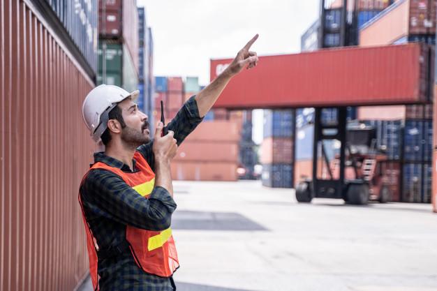 Sua carga pesa toneladas? Precisa de transporte de cargas no Centro do Rio de Janeiro?